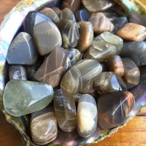 Tumbled Black Moonstone – The Stone to Manifest Your Dreams