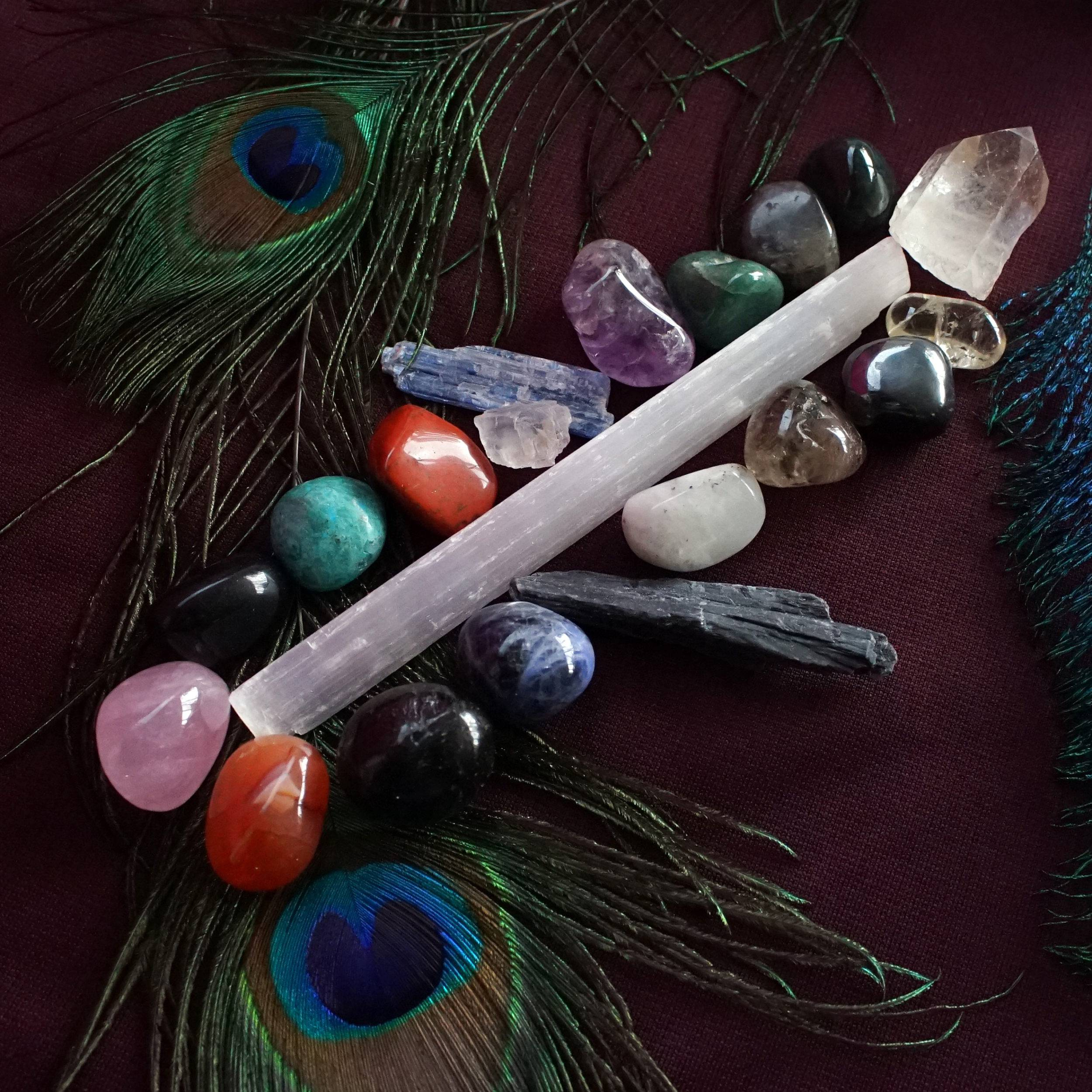 Top 20 Gemstone Set for a comprehensive collection of healing crystals