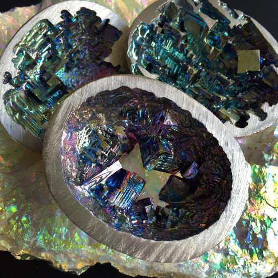 Bismuth geodes