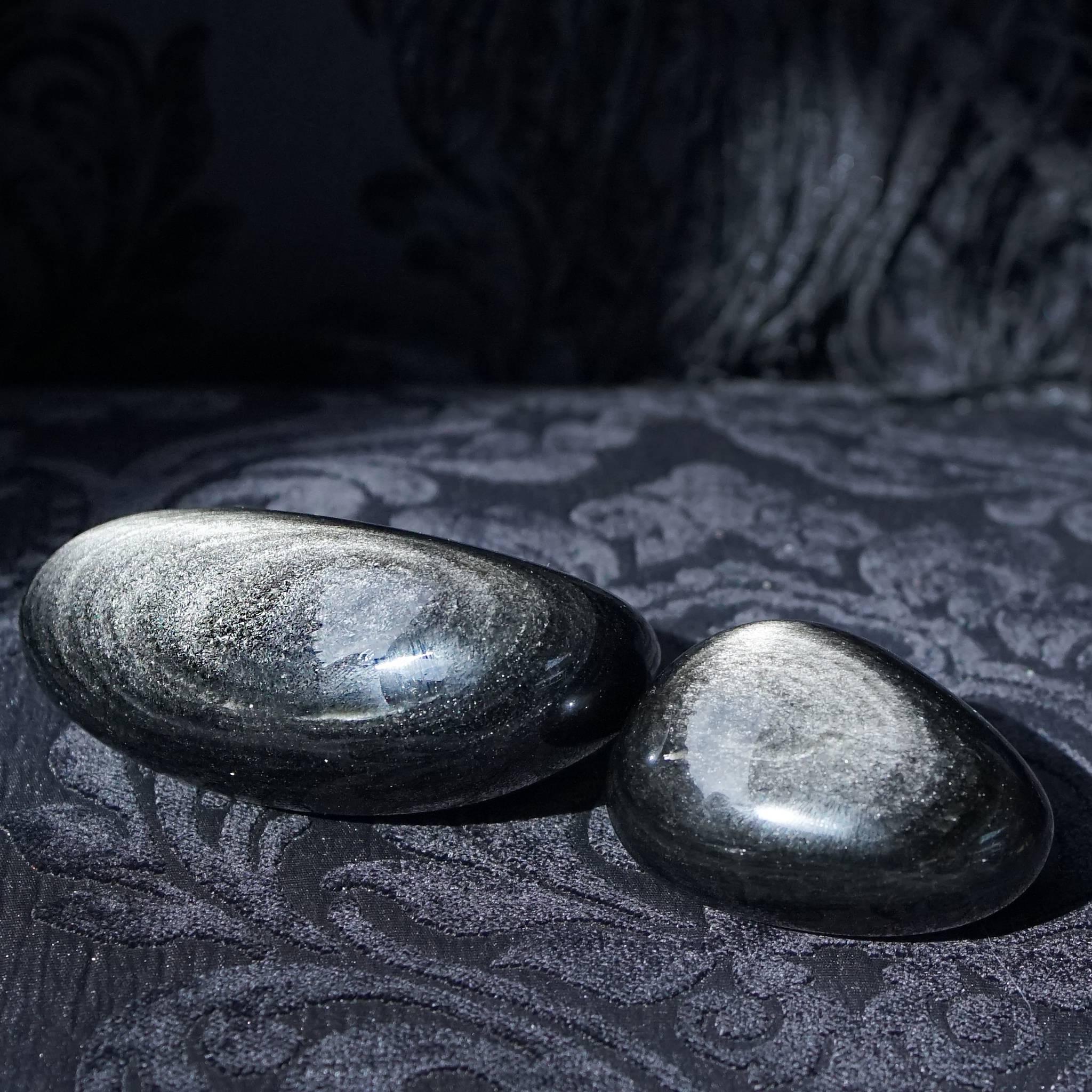 sheen obsidian palm stones