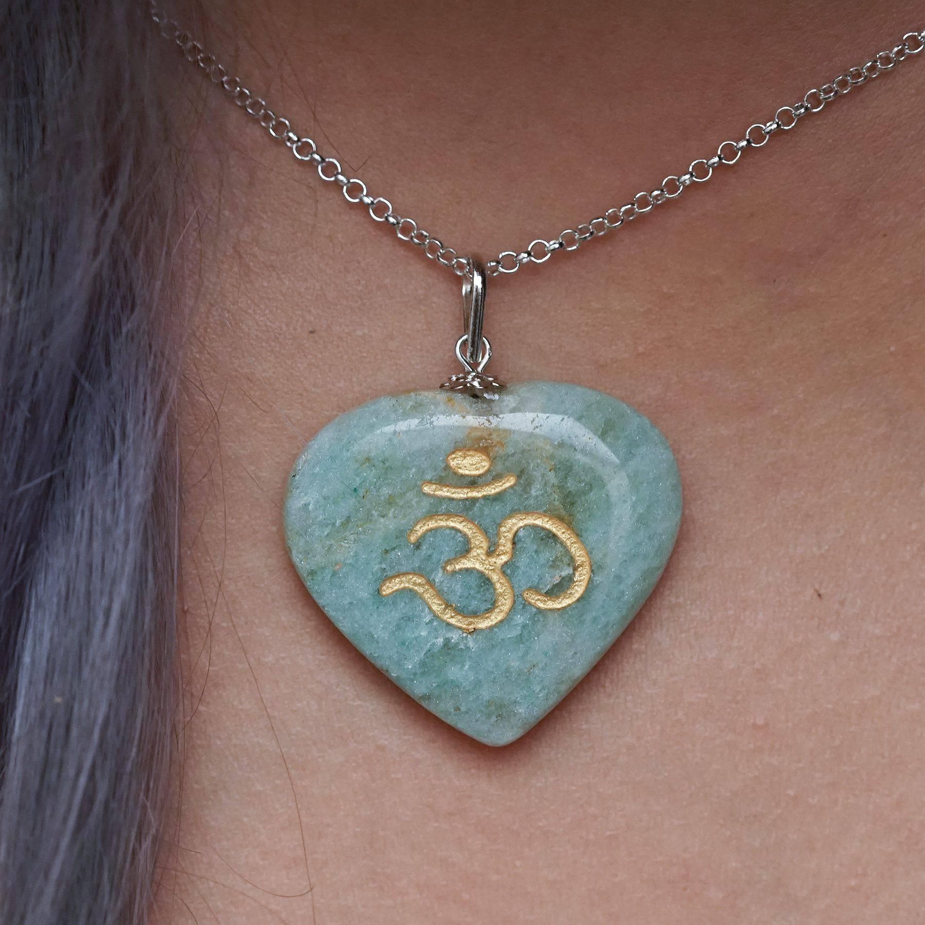 Jade heart om