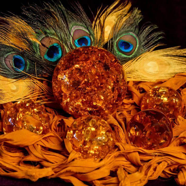 Amber spheres