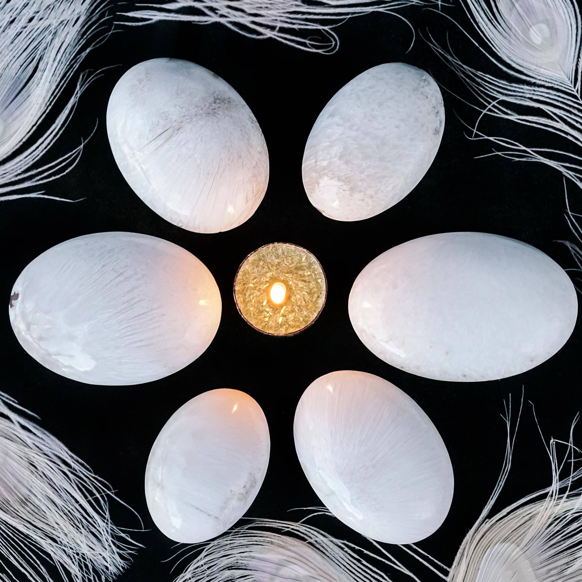 scolecite palm stones