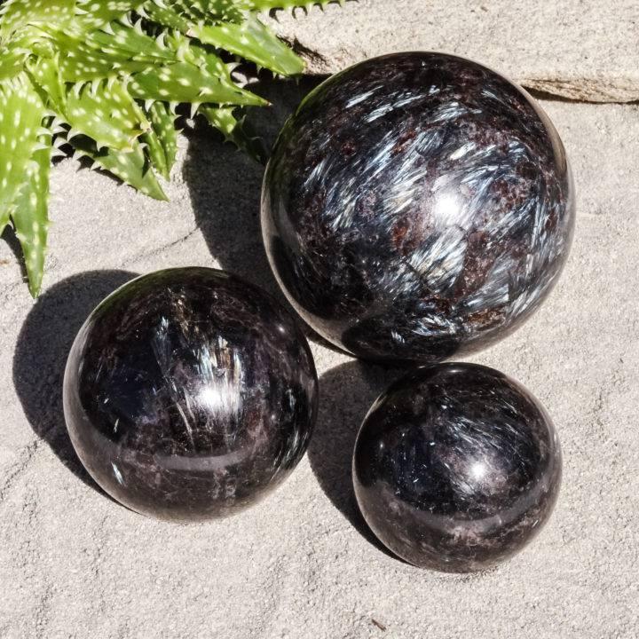 arfvedsonite spheres