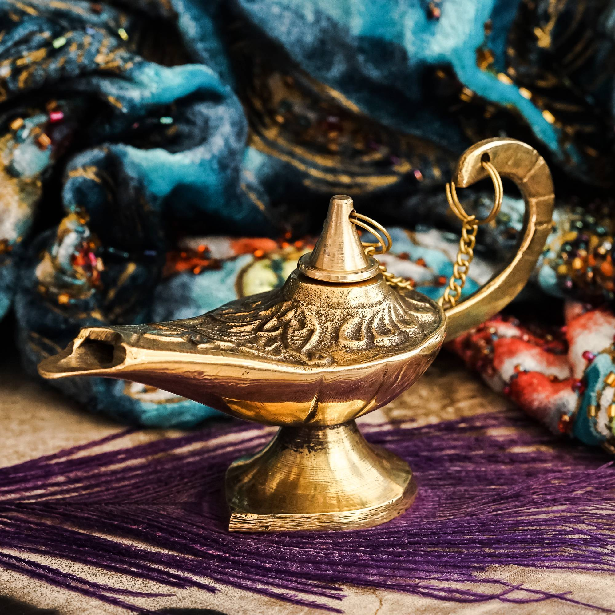 brass Aladdin lamp
