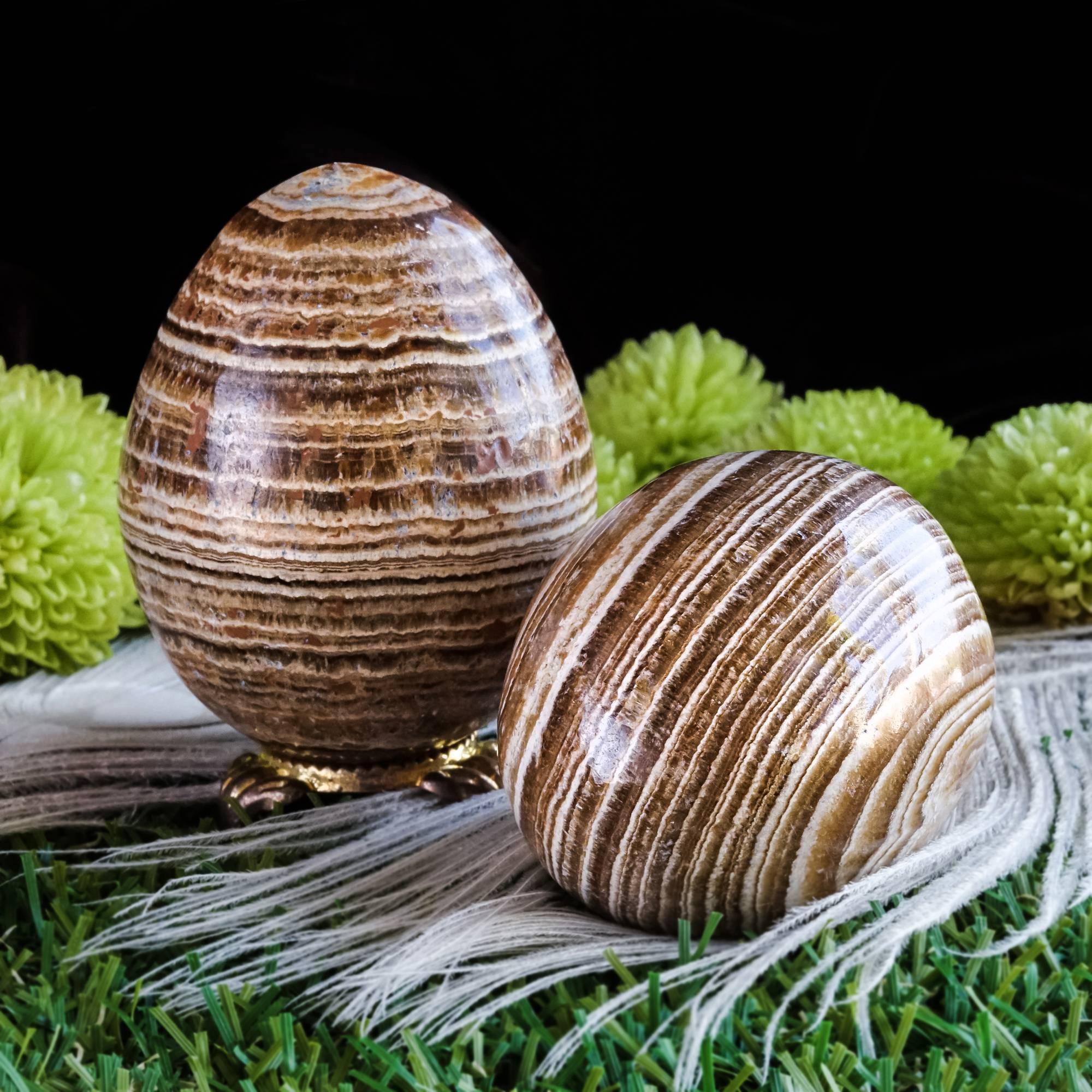brown aragonite eggs