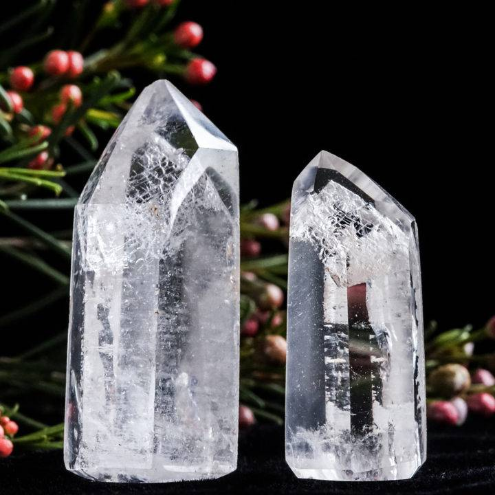clear quartz generators with mystery inclusion