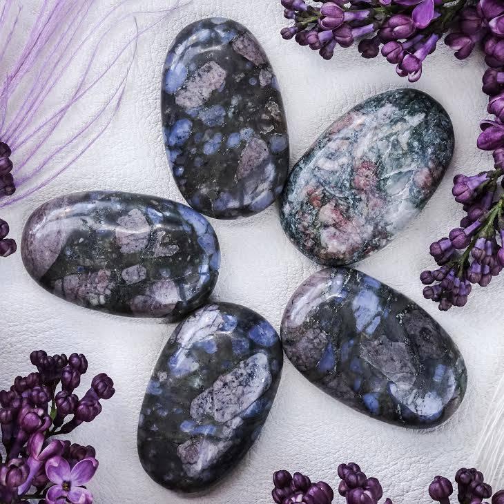 que sera worry stones