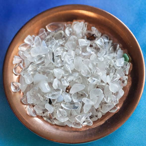 clear quartz chip stones