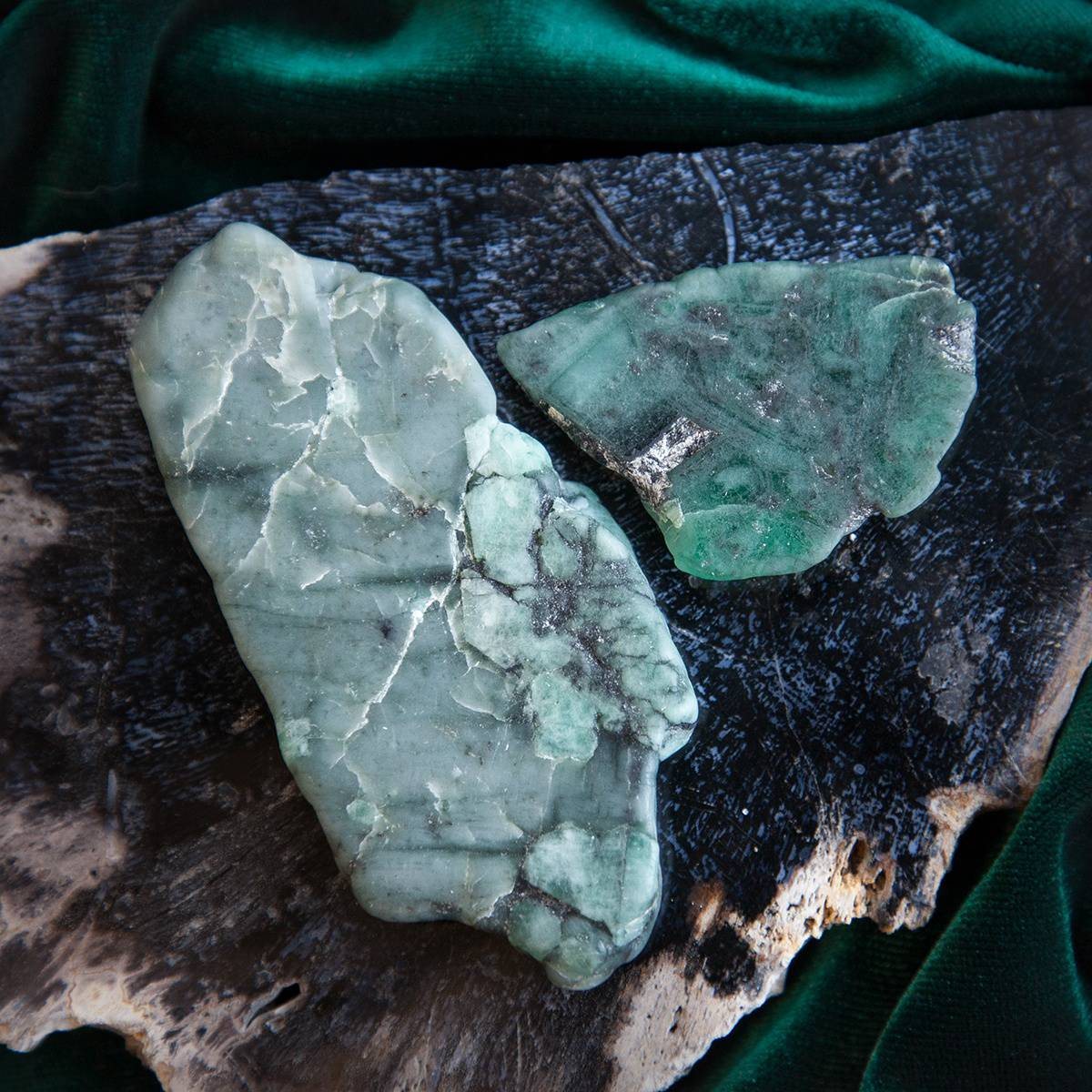 emerald charging plates