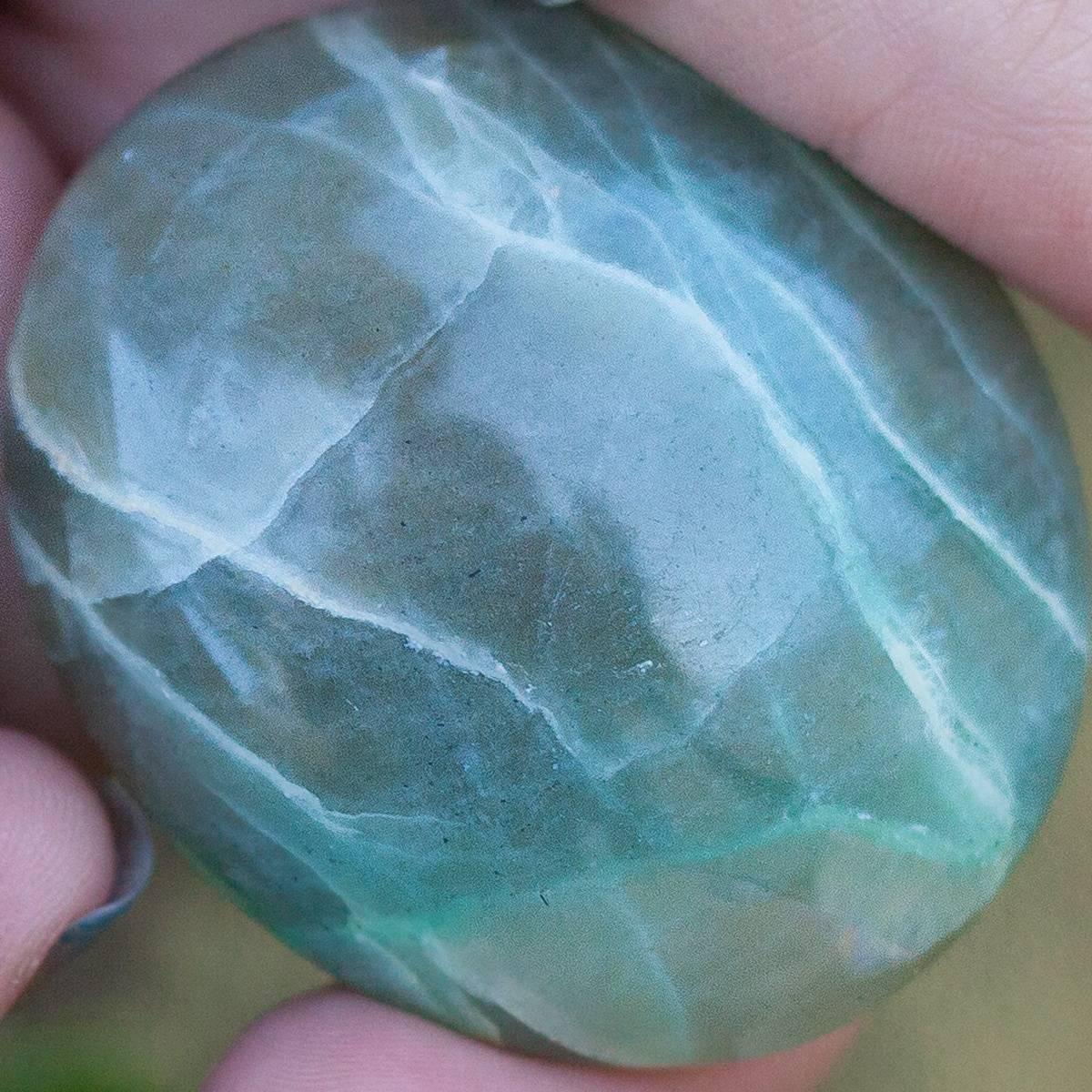 Garnierite_Palm_Stone_DD_2of2_7_3
