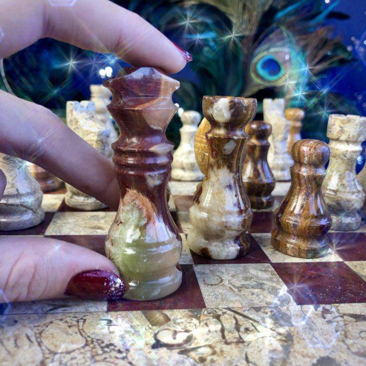 Hand-carved_Onyx_Chess_Set_3of6_11_22