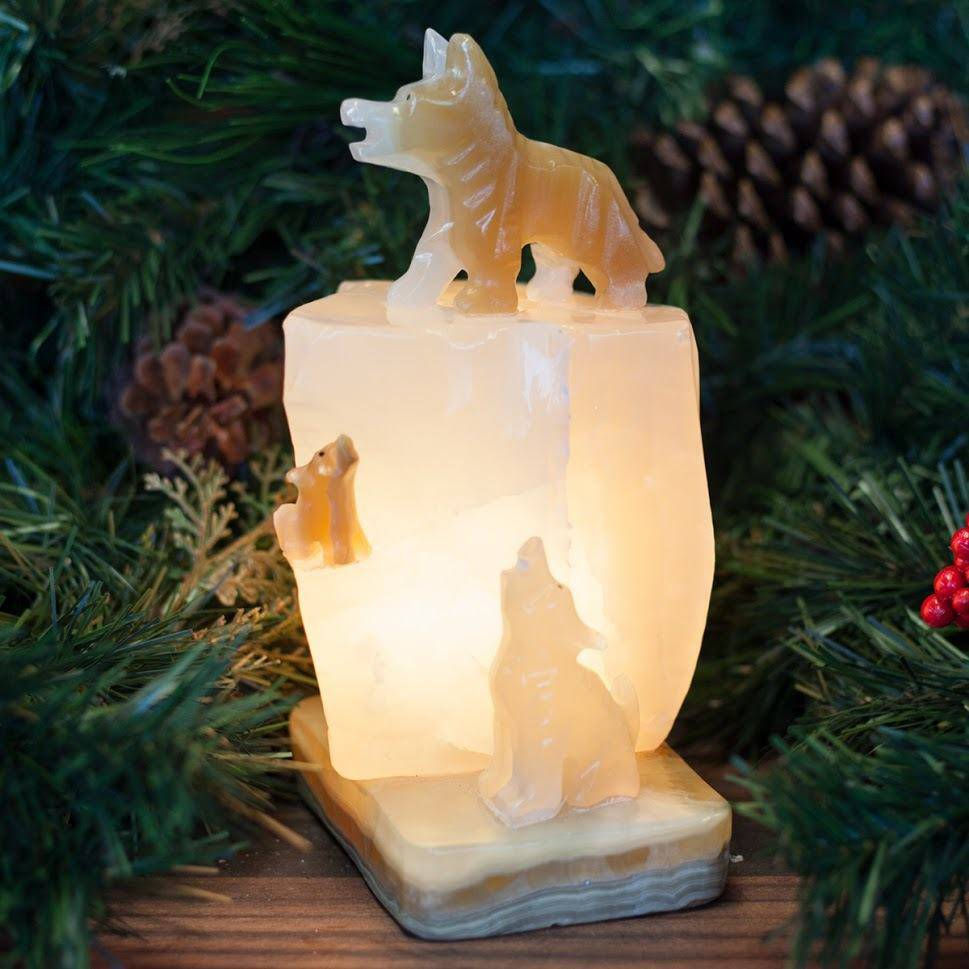 Onyx Wolf Lamp Primary
