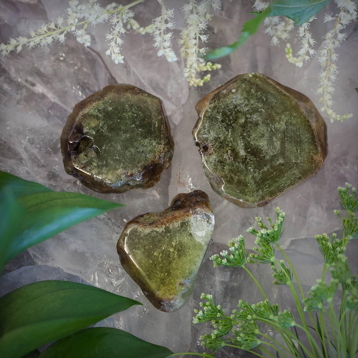 Green Garnet Charging Plate 2_21