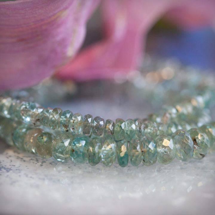 Kyanite Necklaces6_4 Primary