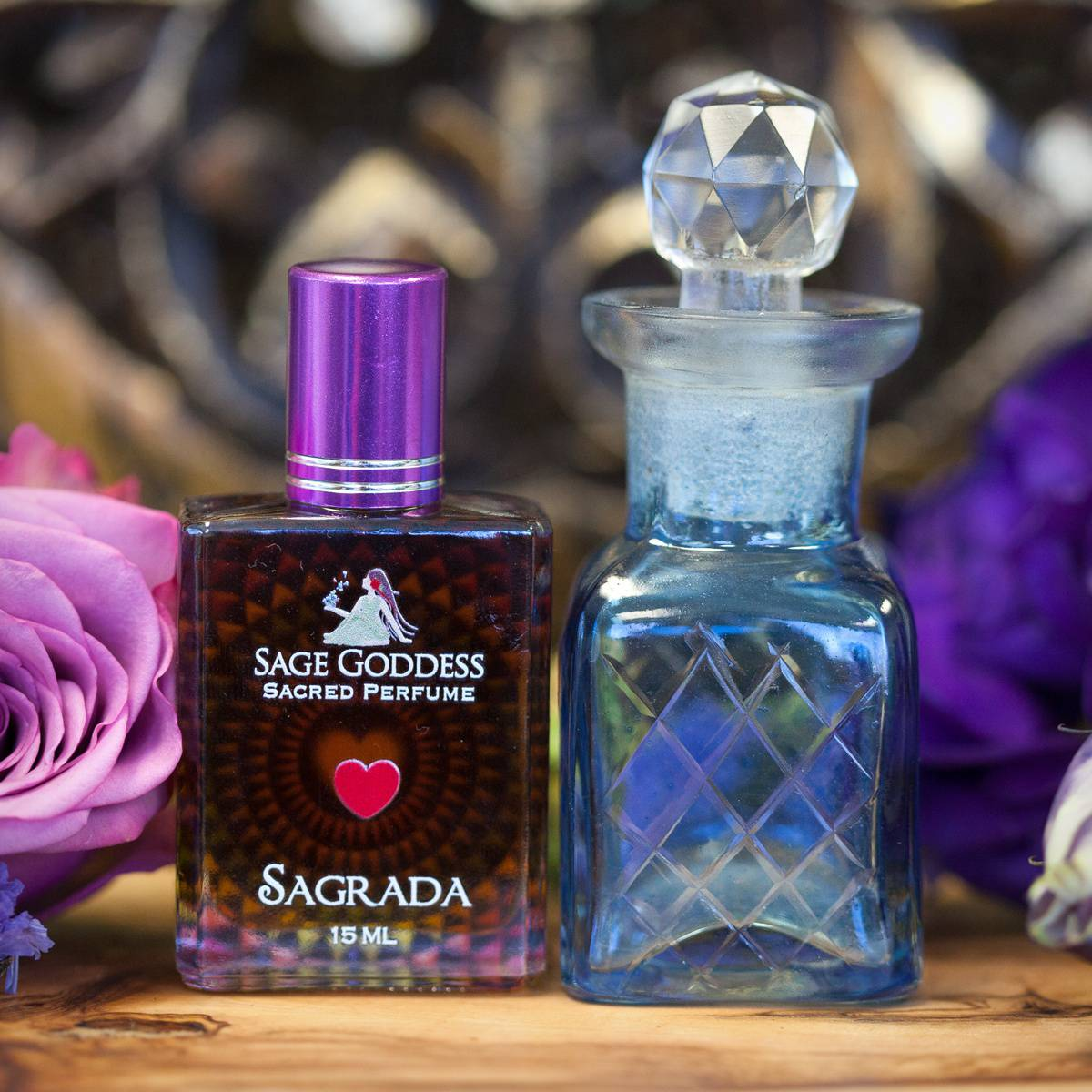 Sagrada_Perfume_with_Apothecary_Bottle_1of3_7_15
