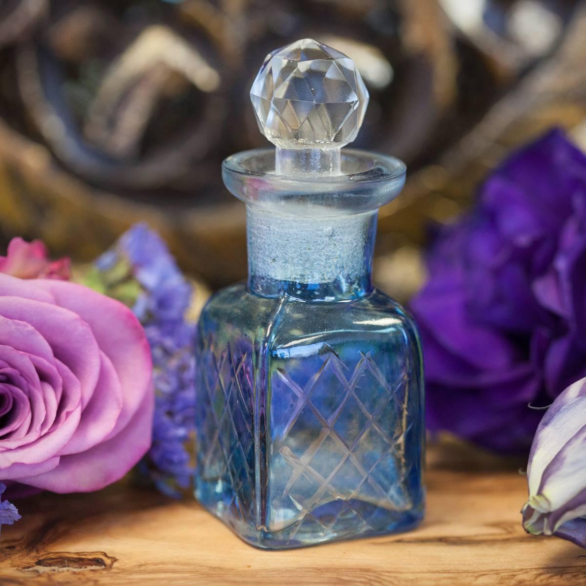 Sagrada_Perfume_with_Apothecary_Bottle_3of3_7_15