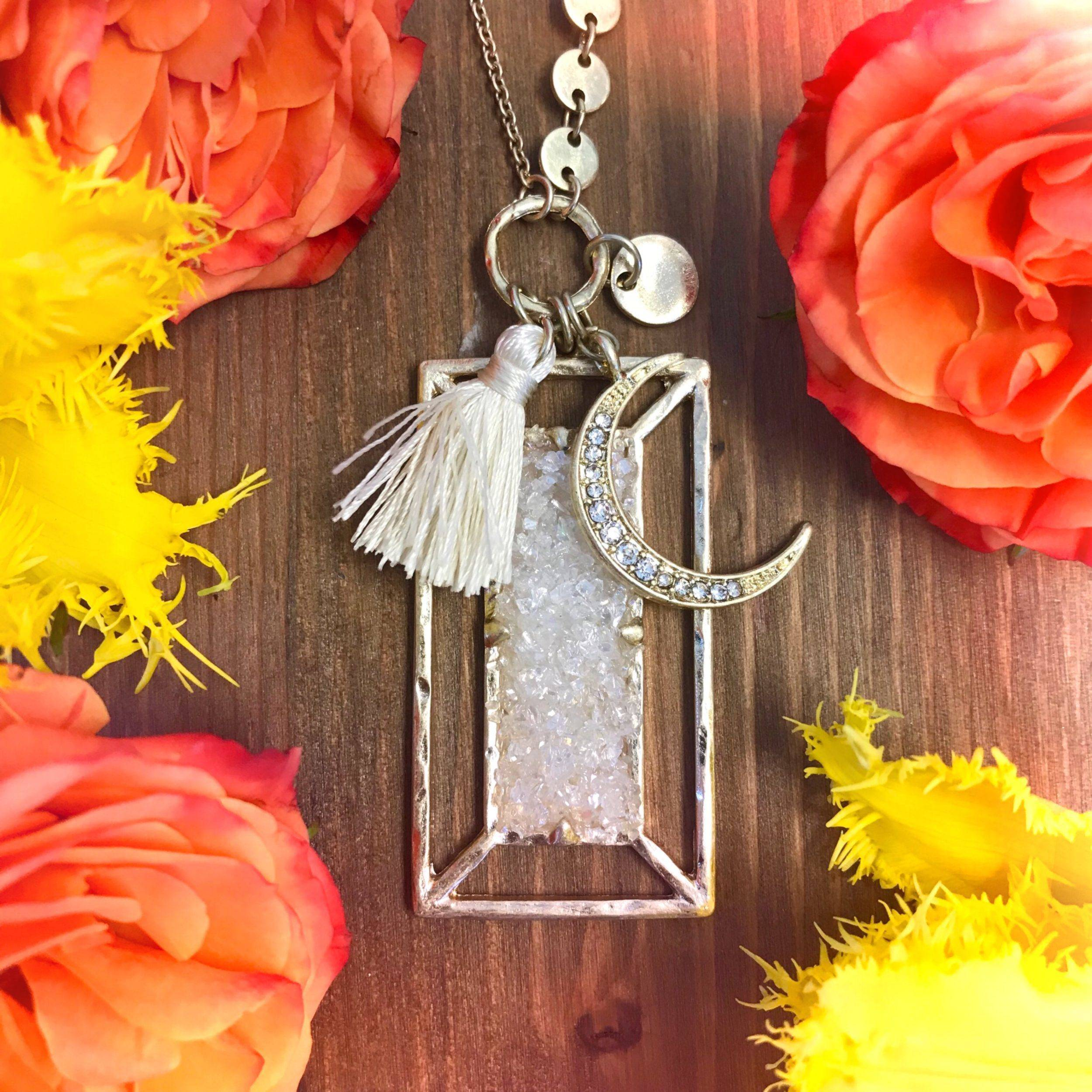 Druzy_Moon_Charm_Necklace_1of2_8_14