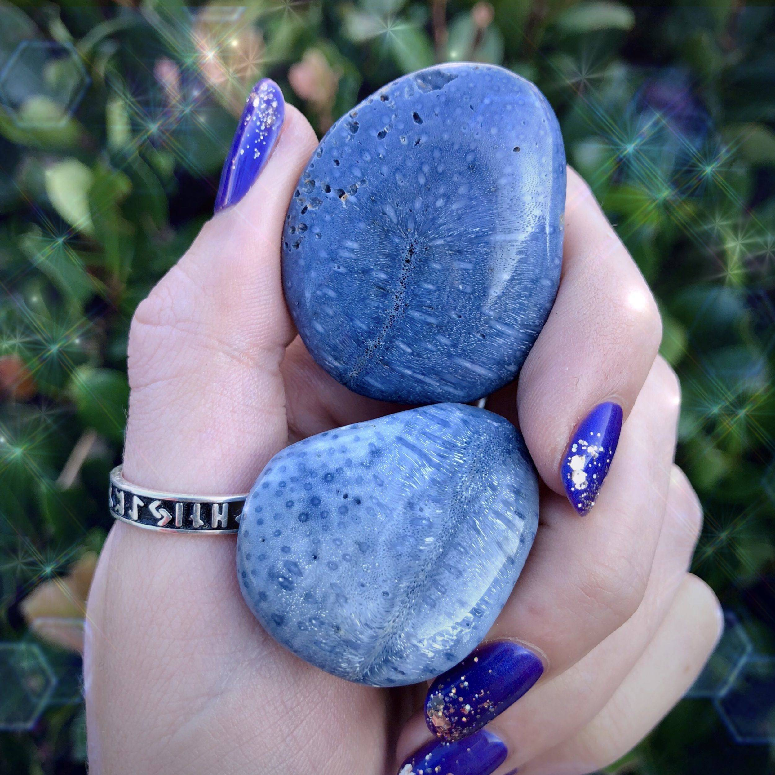 Past_Life_Healing_Palm_Stone_2of3_10_29.