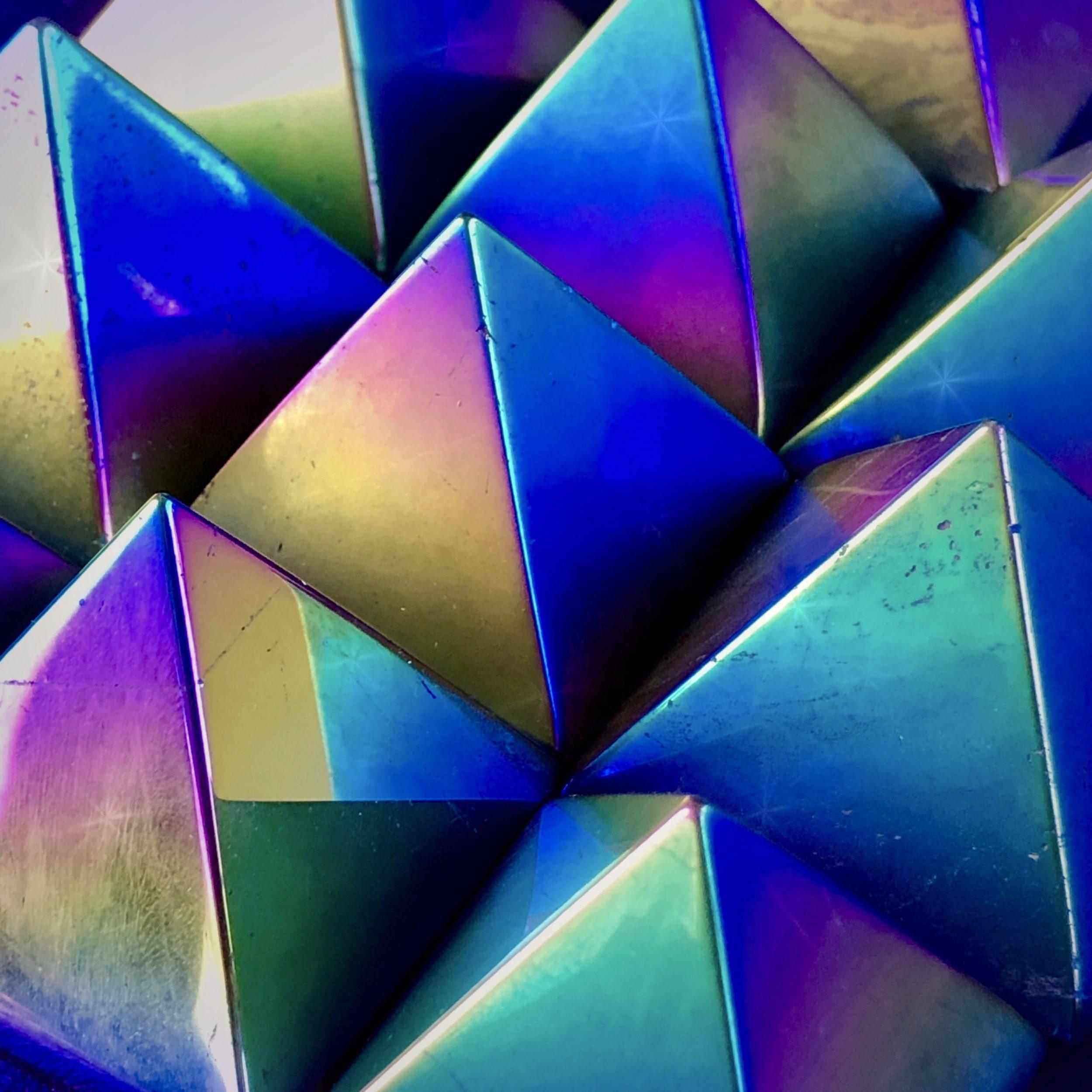 Titanium_Aura_Pyramids_4of4_10_26