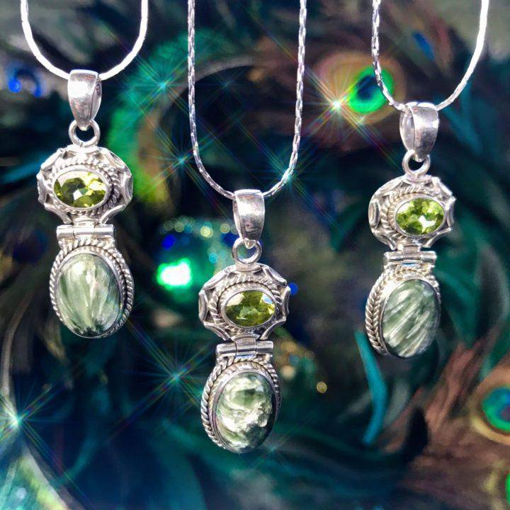 All_the_Angels_Seraphinite_and_Peridot_Pendant_1of3_11_24