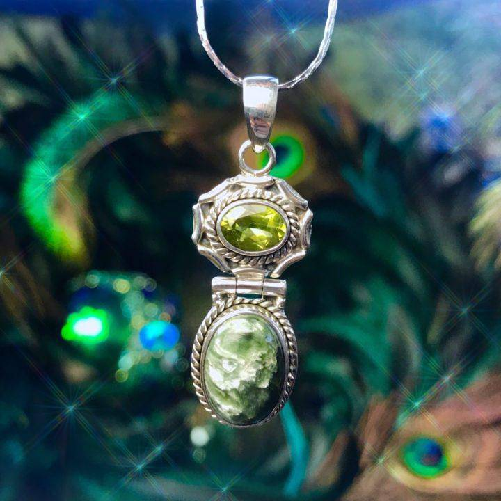 All_the_Angels_Seraphinite_and_Peridot_Pendant_2of3_11_24