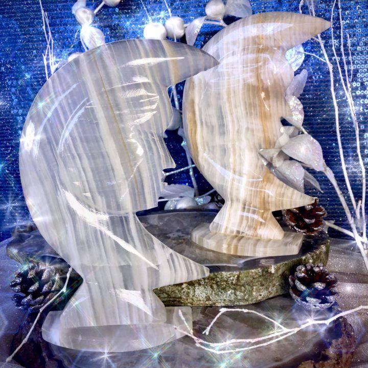 Luna_s_Strength_Onyx_Crescent_Moons_1of3_11_22.