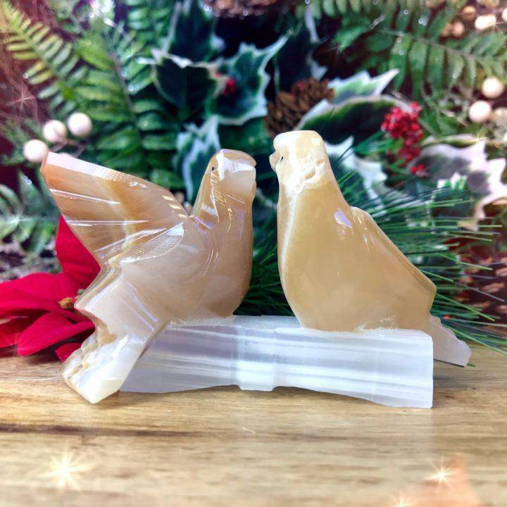 White_Onyx_Peace_Doves_1of3_11_25
