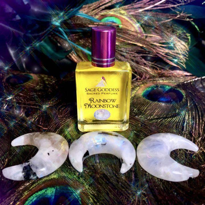 Rainbow_Moonstone_Luminescent_Luna_with_Rainbow_Moonstone_Perfume_3of3_12_24