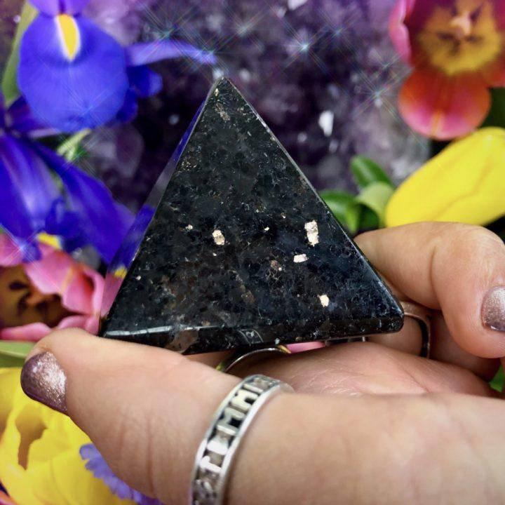 Sacred_Magic_Nuummite_Pyramids_2of3_2_18