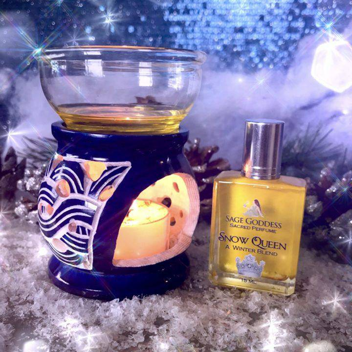 Snow_Queen_Perfume_with_Soapstone_Oil_Burner_1of4_12_23