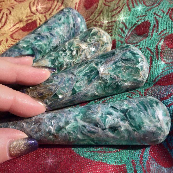 TUCSON_LISTING_Dramatic_Healing_Blue_Green_Kyanite_Wand_1of2_2_7