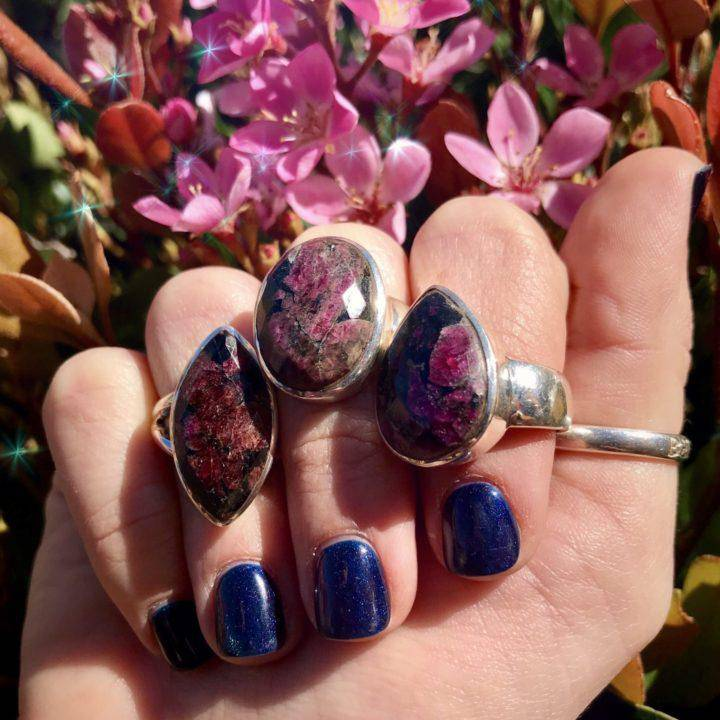 Faceted_Eudialyte_Rings_2of3_3_21