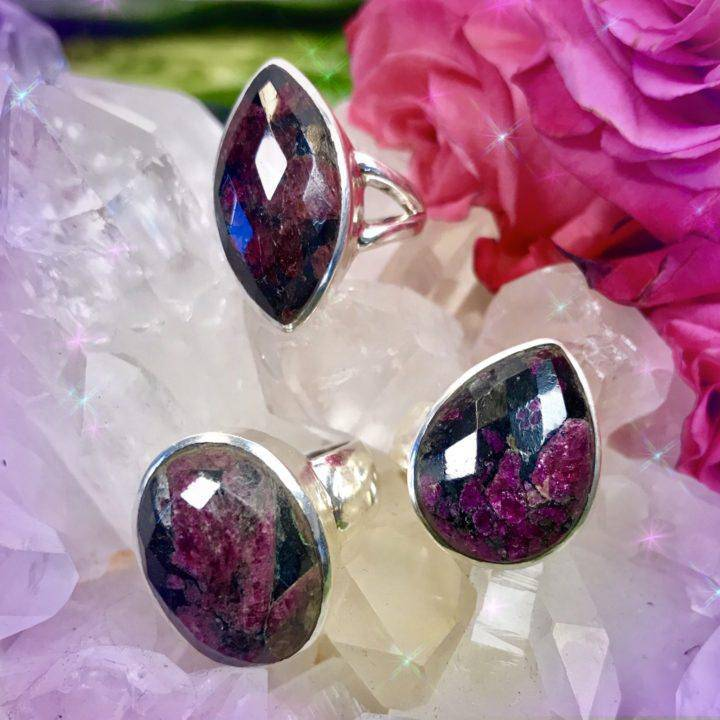Faceted_Eudialyte_Rings_3of3_3_21