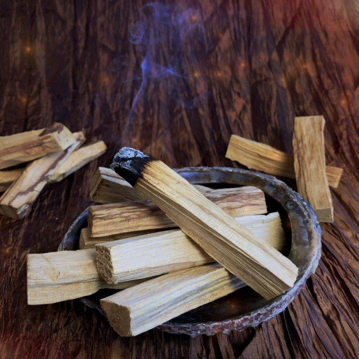 Palo_Santo_Smudging_Sticks_1of3_4_16
