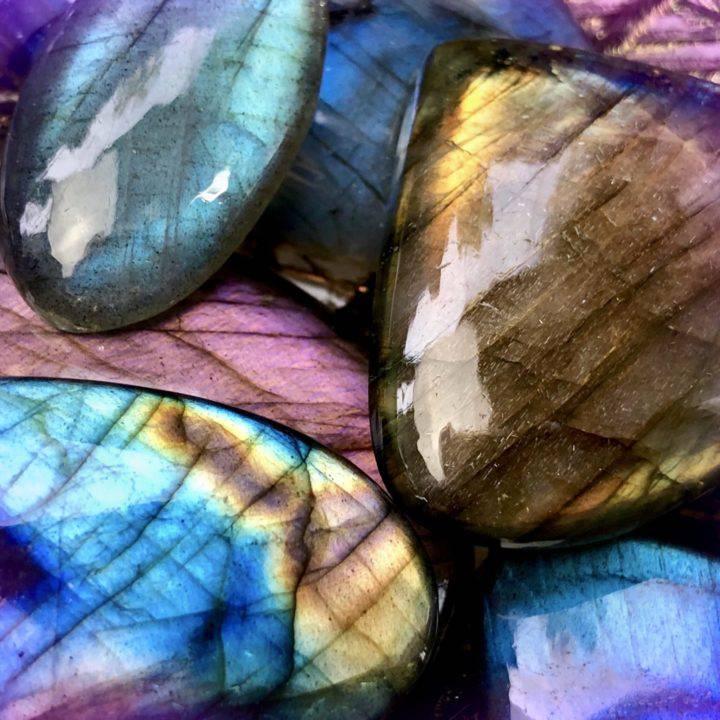 Labradorite_AAA_Cabochons_Wholesale_3of3