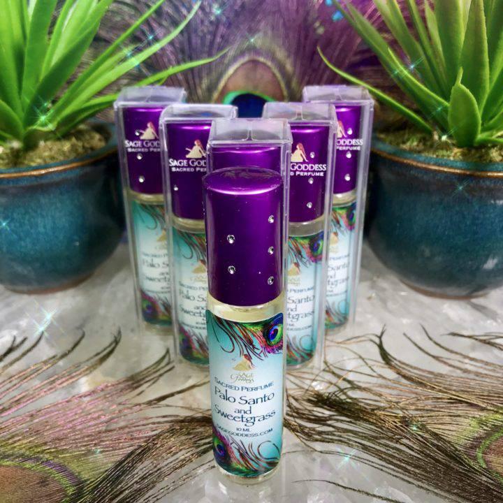 Palo_Santo_and_Sweet_Grass_Perfume_Wholesale_1of3