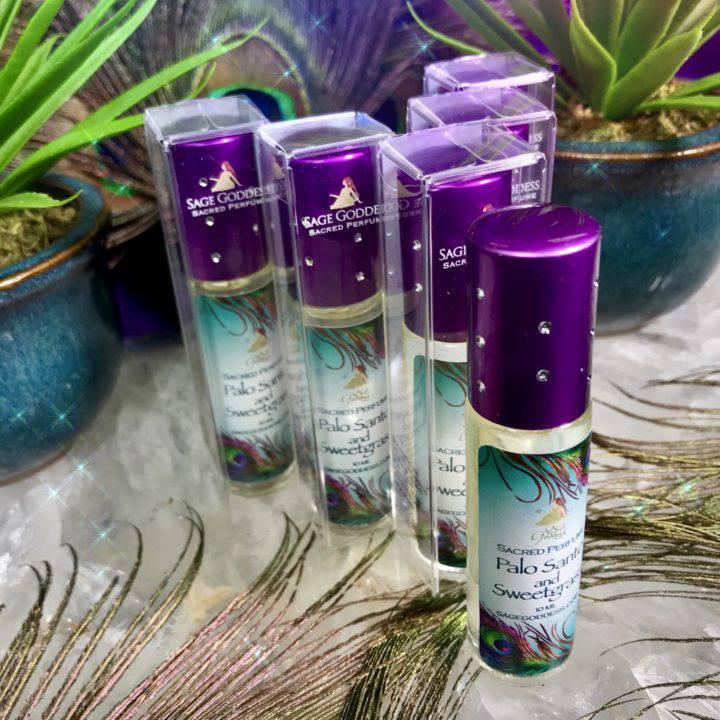 Palo_Santo_and_Sweet_Grass_Perfume_Wholesale_2of3