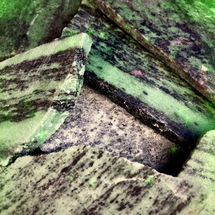 Ruby_Zoisite_Slices_LOT_D_Wholesale_3of3