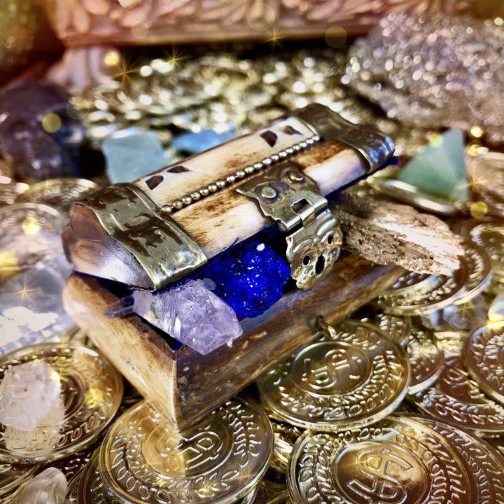 Surprise_Magical_Treasure_Boxes_with_Rare_Gemstone_Trio_1of4_7_7