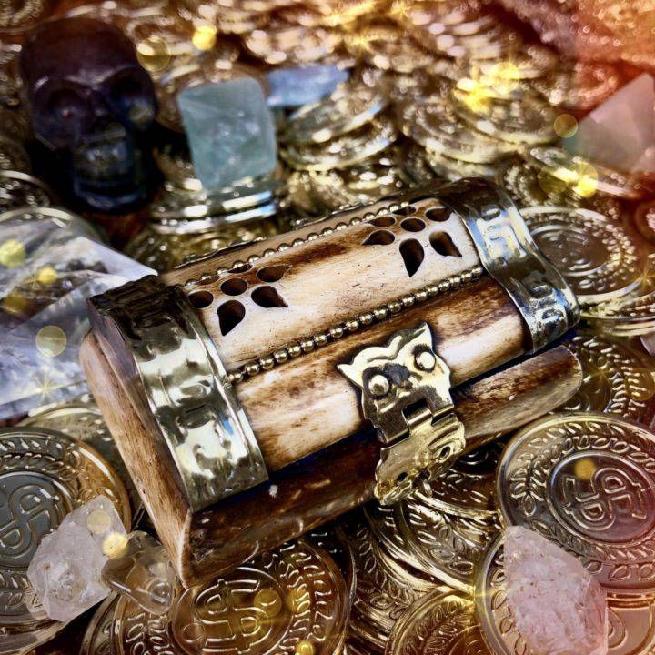 Surprise_Magical_Treasure_Boxes_with_Rare_Gemstone_Trio_3of4_7_7