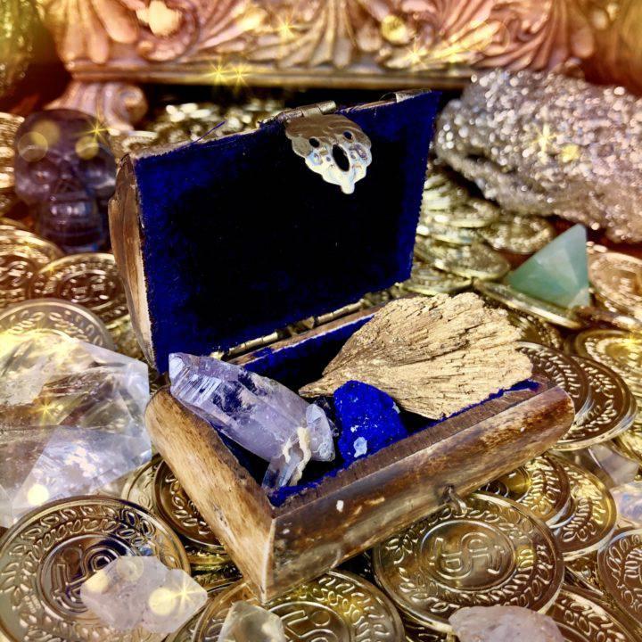Surprise_Magical_Treasure_Boxes_with_Rare_Gemstone_Trio_4of4_7_7