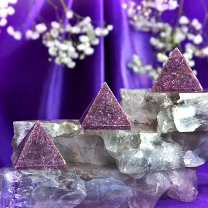 Lepidolite_Pyramids_1of3_9_1