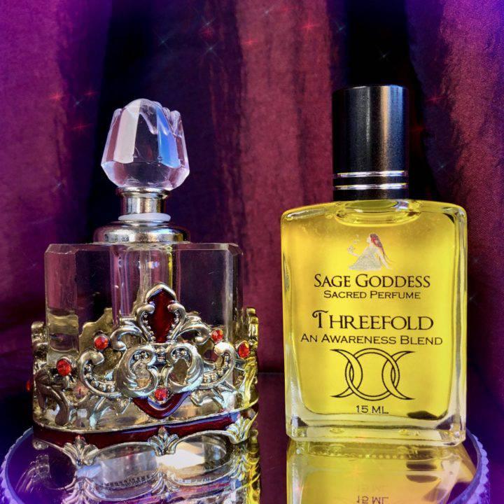 Red_Jewled_Mini_Perfume_bottle_W_Threefold_Perfume_DD_1of3_9_22