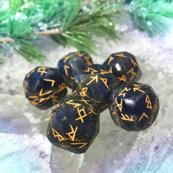Iolite Viking Rune Divination Dice