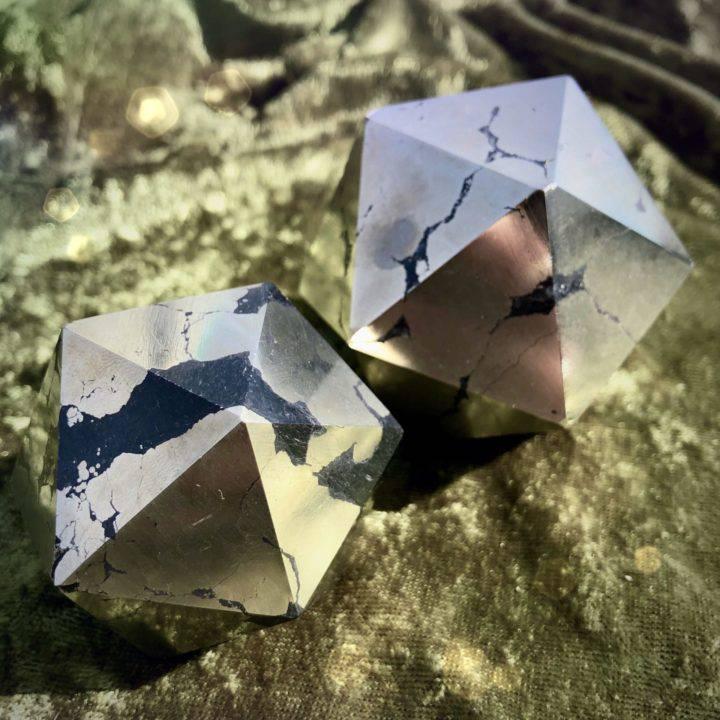 Healer's Gold Icosahedrons