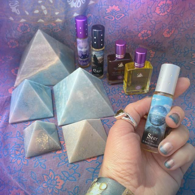Trolleite Manifestation Pyramids with Intuitively Chosen Third Eye Perfume