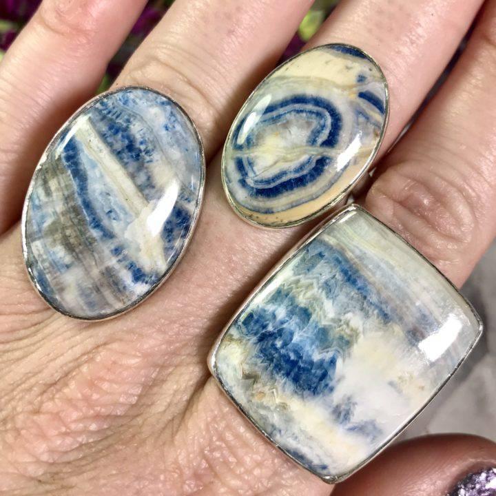 Scheelite Rings
