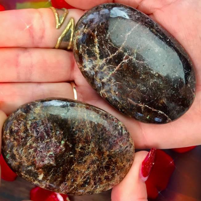 Almandine Garnet Grounded Protection Palm Stones