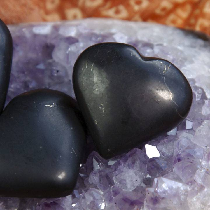 Shungite Clearing and Grounding Hearts
